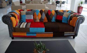 ספה עם כמה צבעים